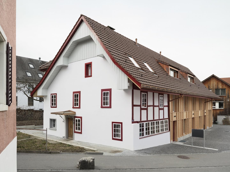 Ansicht Wohnhaus bestehend © Christian Senti