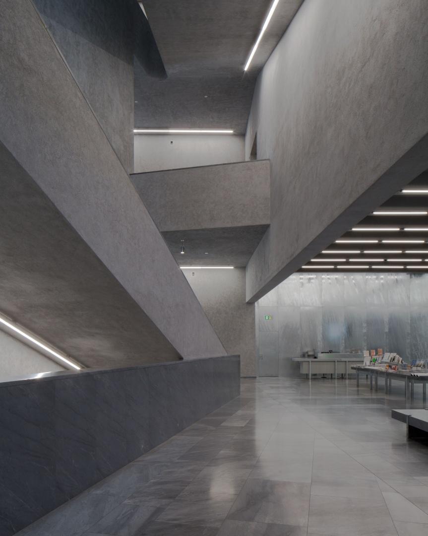 Eingang / Treppenhaus © Stefano Graziani