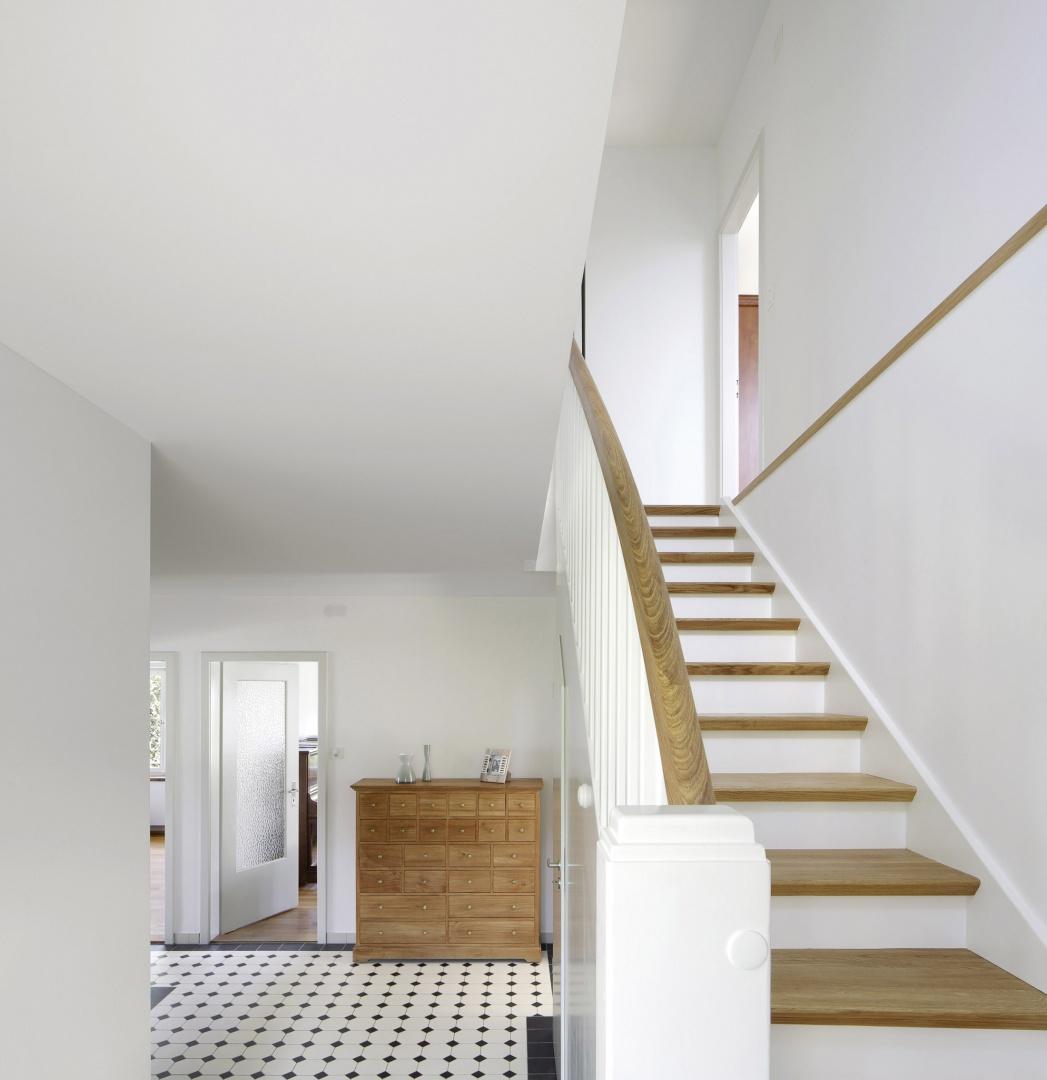 Umbau und aufstockung einfamilienhaus in m nchenstein for Pramierte einfamilienhauser