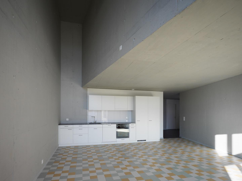 Doppelgeschossige Küche © Andrea Helbling
