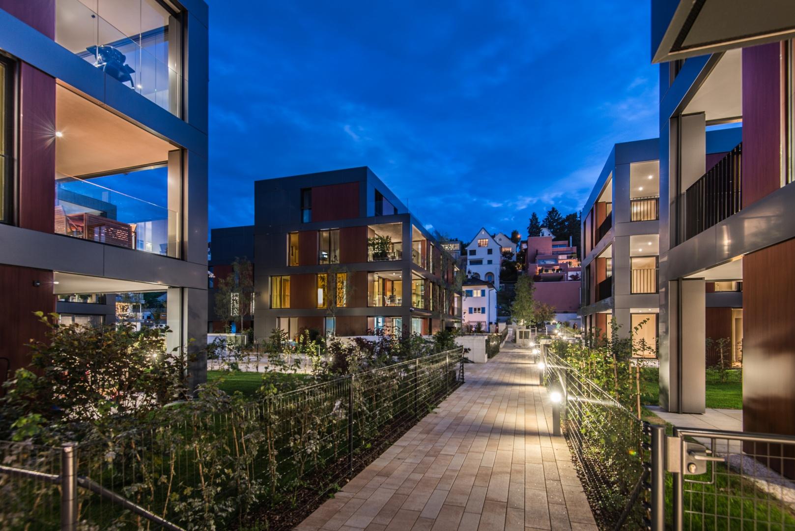 Nachtaufnahme Blick auf Haus B © Ferrara Architekten AG