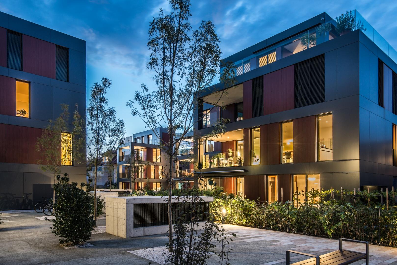 Nachtaufnahme Blick auf Haus C © Ferrara Architekten AG