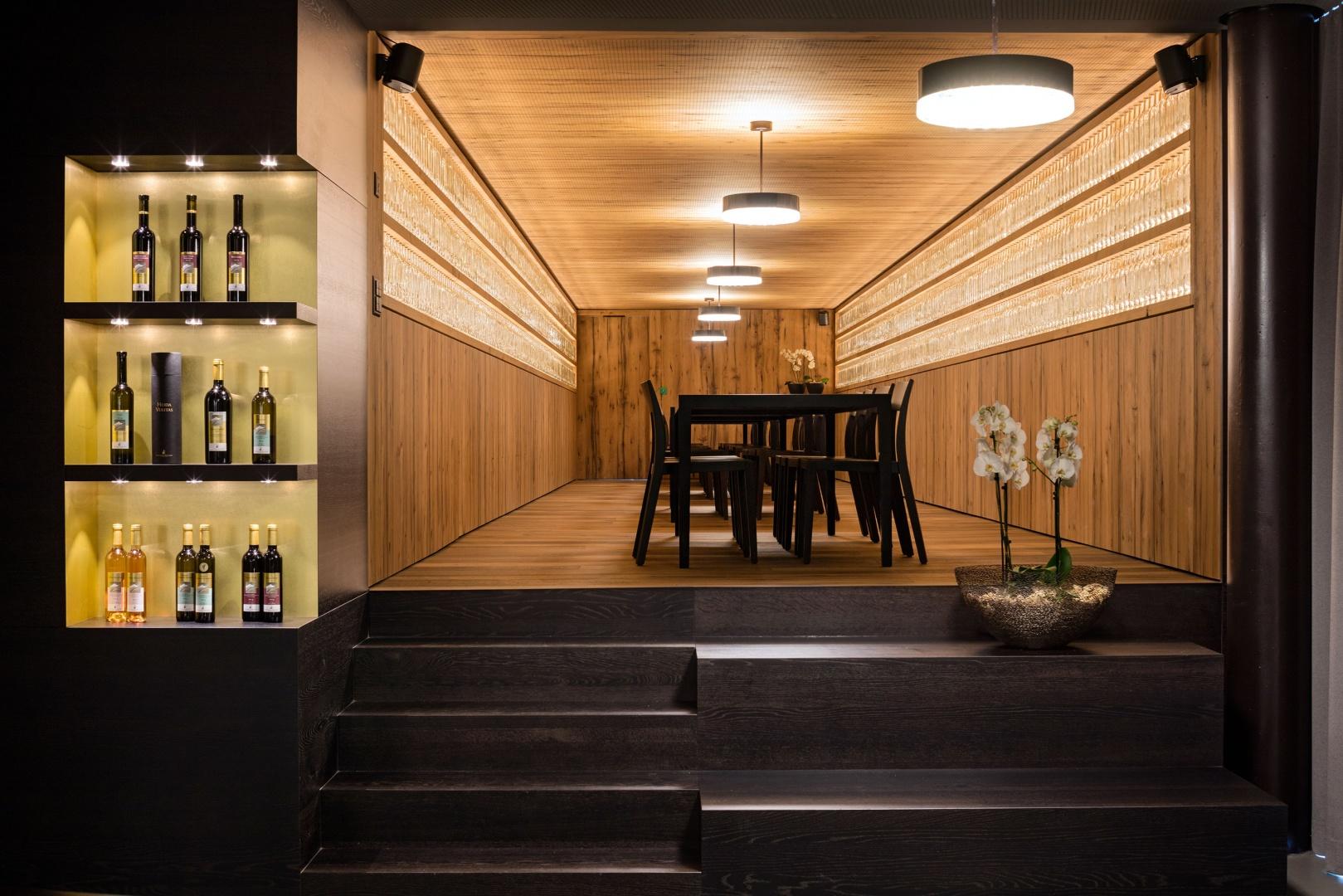 Eichensaal im ehemaligen Barriquekeller © Thomas Andenmatten