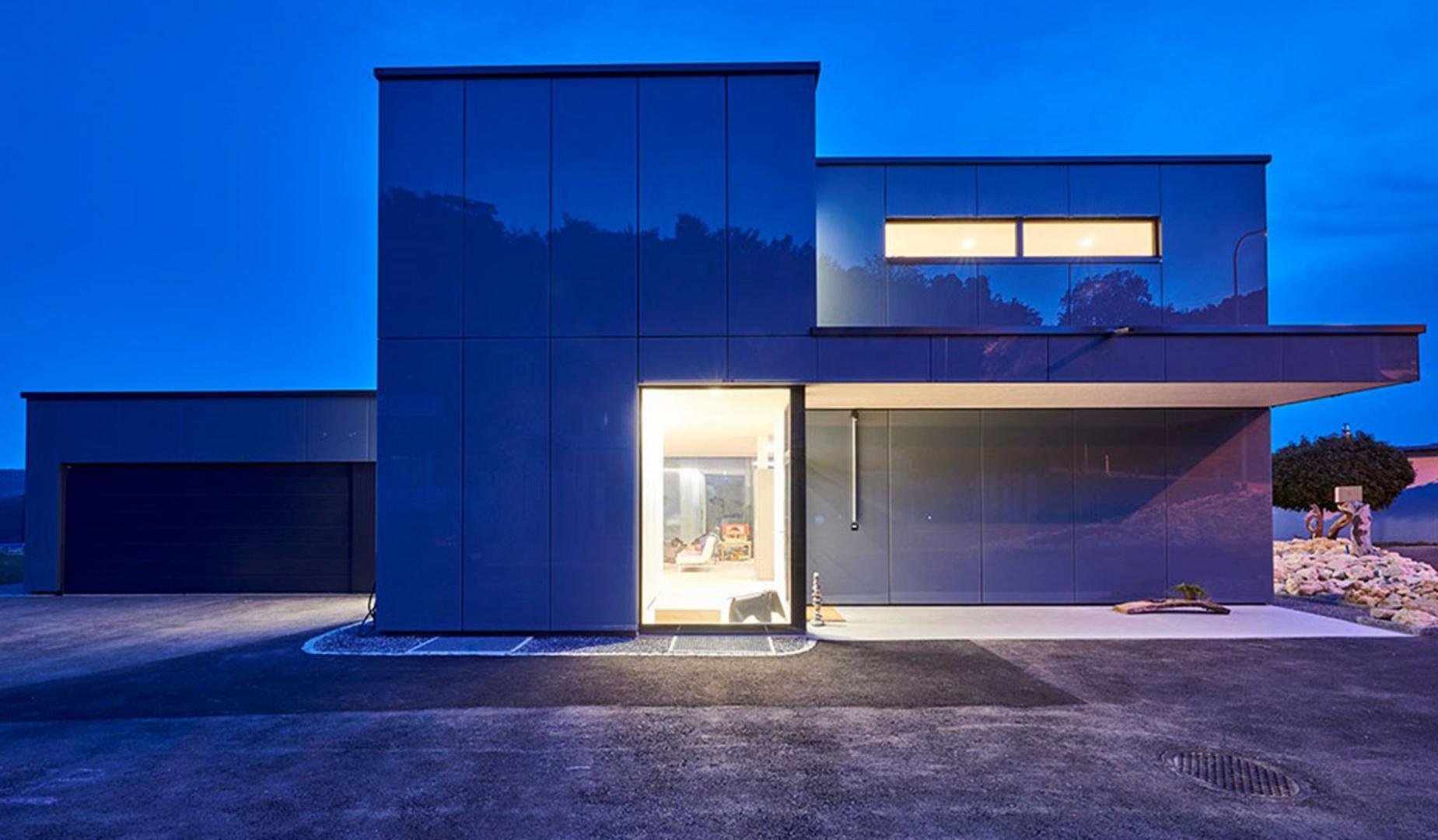 Entrée, le soir © Hector Egger Holzbau AG