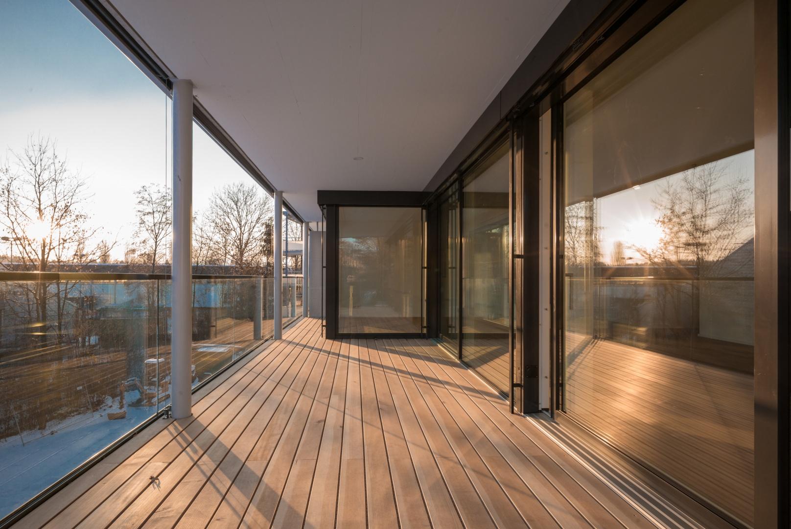 Terrasse Normalgeschoss © www.hansjoergbetschart.ch