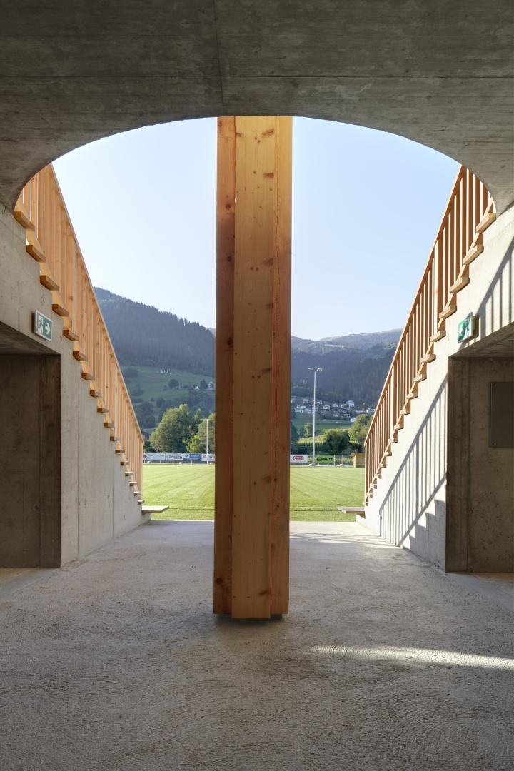 Eingangsbereich im Gebäude © Ralph Feiner