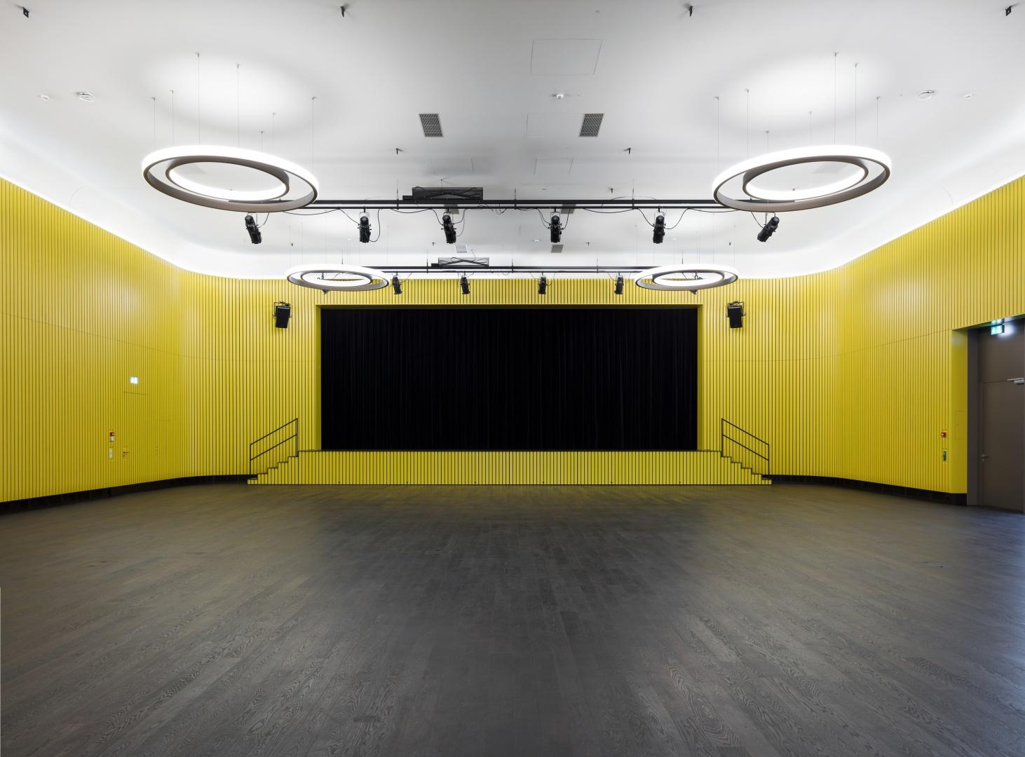 Gemeindesaal_Bühnenansicht © Martin Stollenwerk, Zürich