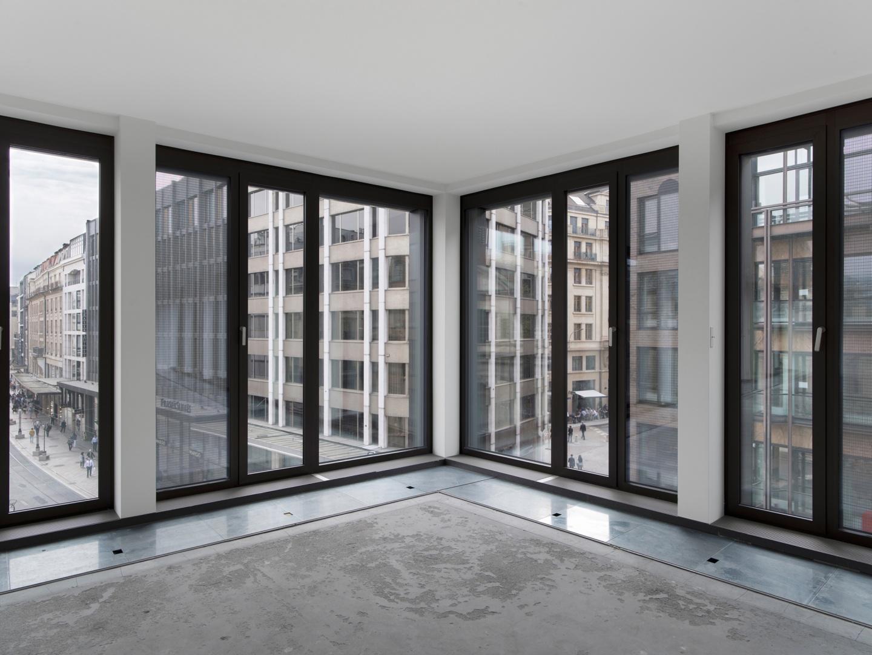 Vue intérieure de l'angle de façade © Swen Sack, photographe, Lausanne