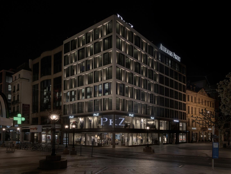 Vue nocturne depuis l'angle Confédération/Fusterie © Swen Sack, photographe, Lausanne