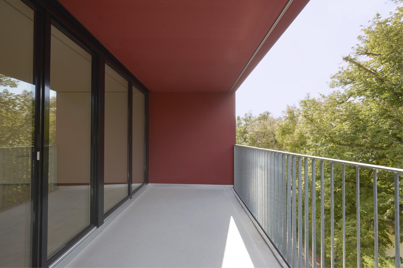 Balkon_Nord_Rot © Heinz Unger, Schlieren