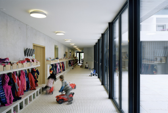 Korridor Kinderkrippe © Foto: Andrea Helbling