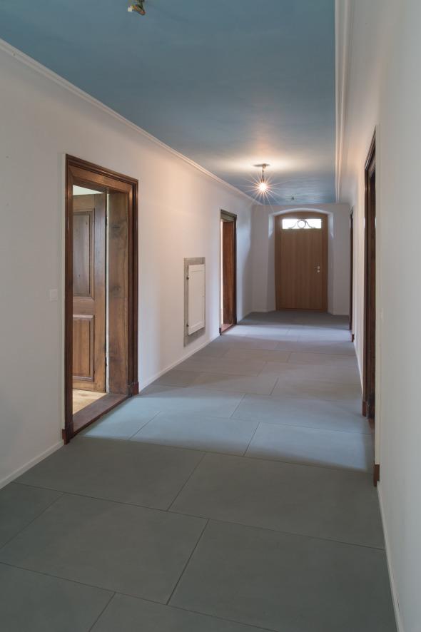 Korridor mit Sandstein  © Fotostudio Fischlin