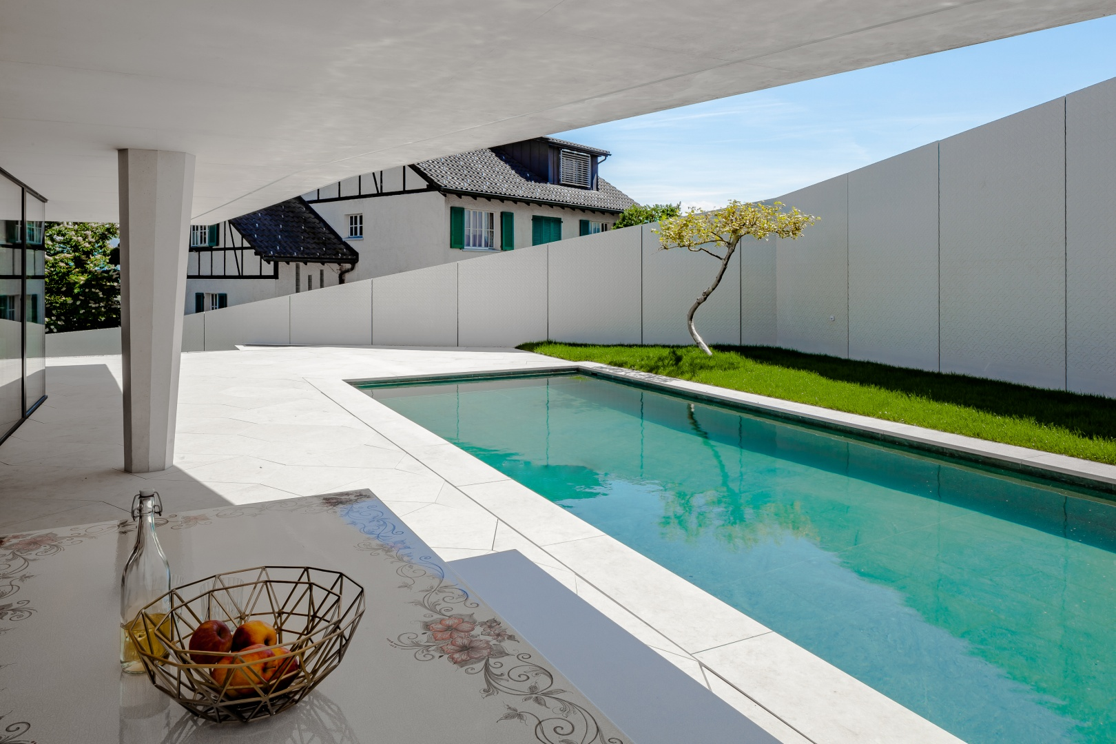 Terrasse mit Pool © Mark Drotsky, Langenthal