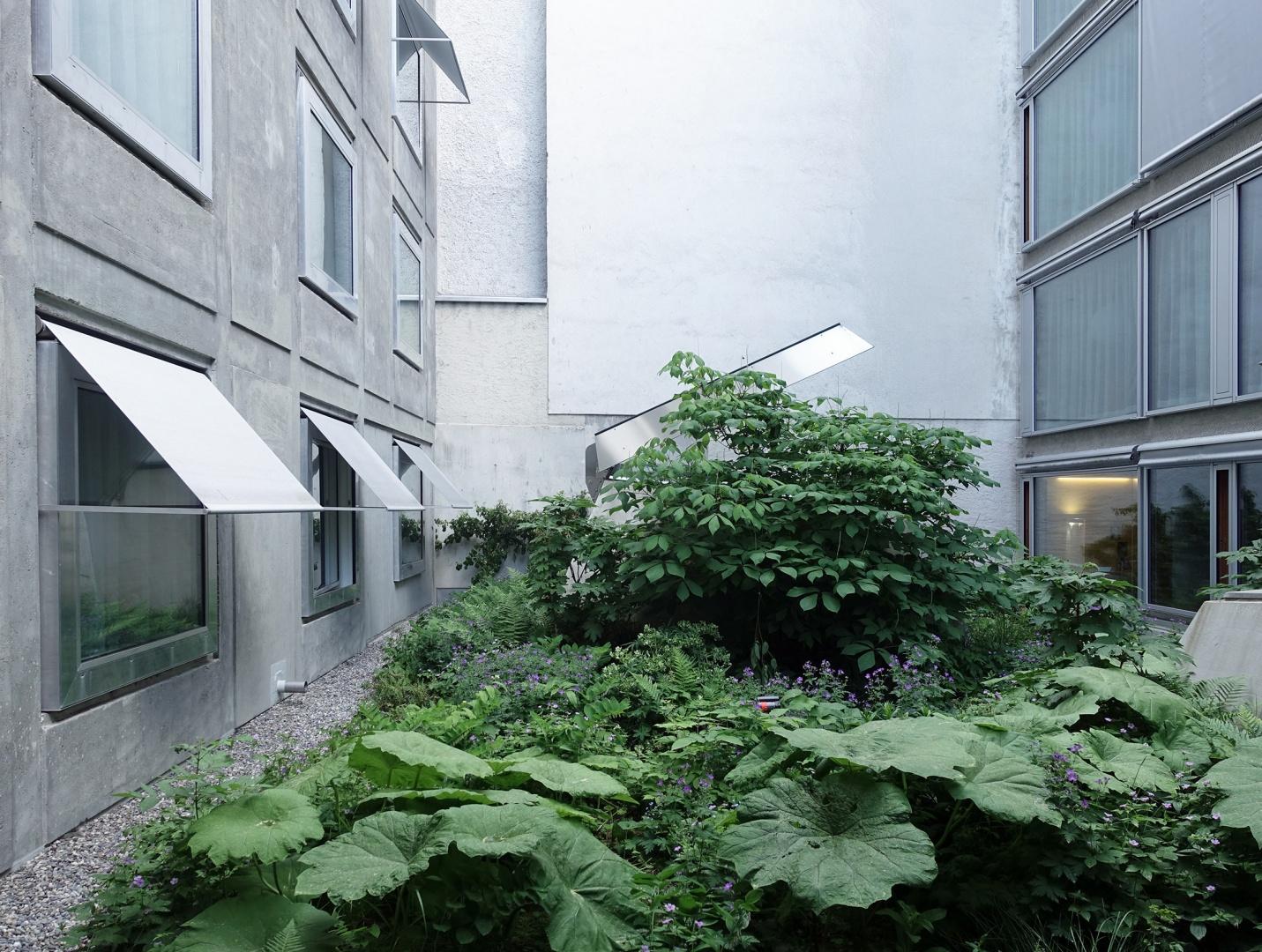 Hotel Nomad Hof mit Garten © Buchner Bründler