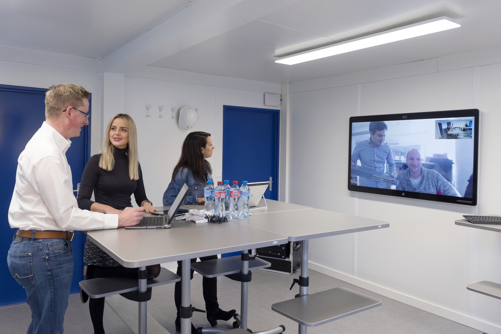 Video Conferencing dans Alpiq BIM Room © Alpiq InTec Schweiz AG, Webereiweg 6, 4802 Strengelbach