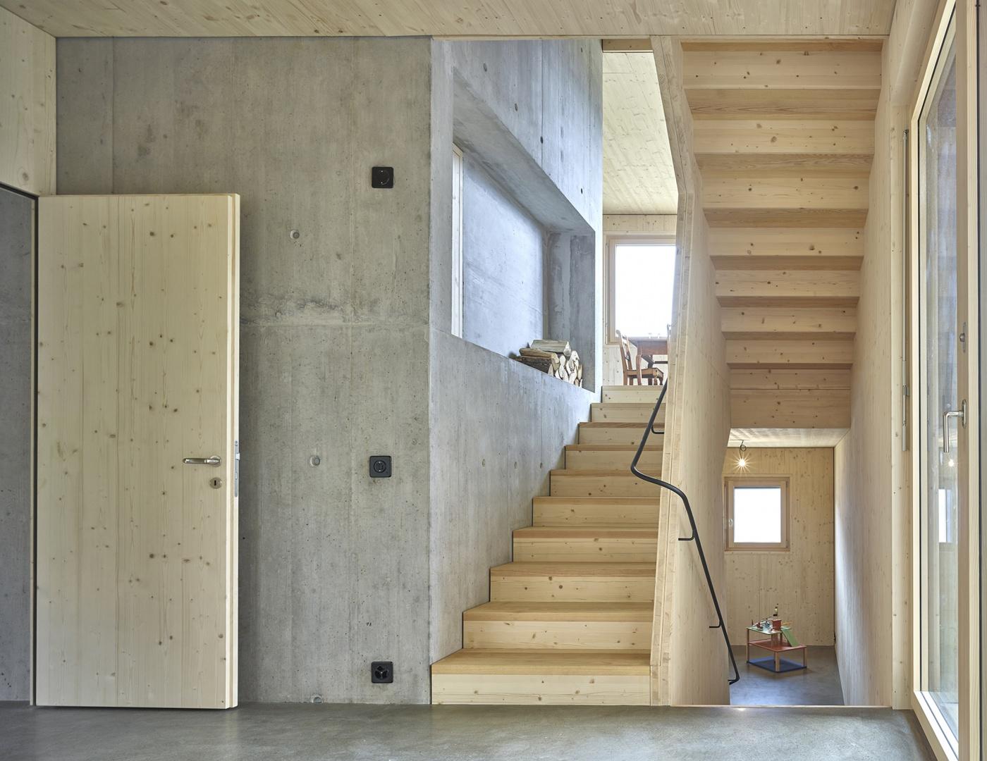 Wohnraum auf Gartenniveau © Philip Heckhausen, Zürich