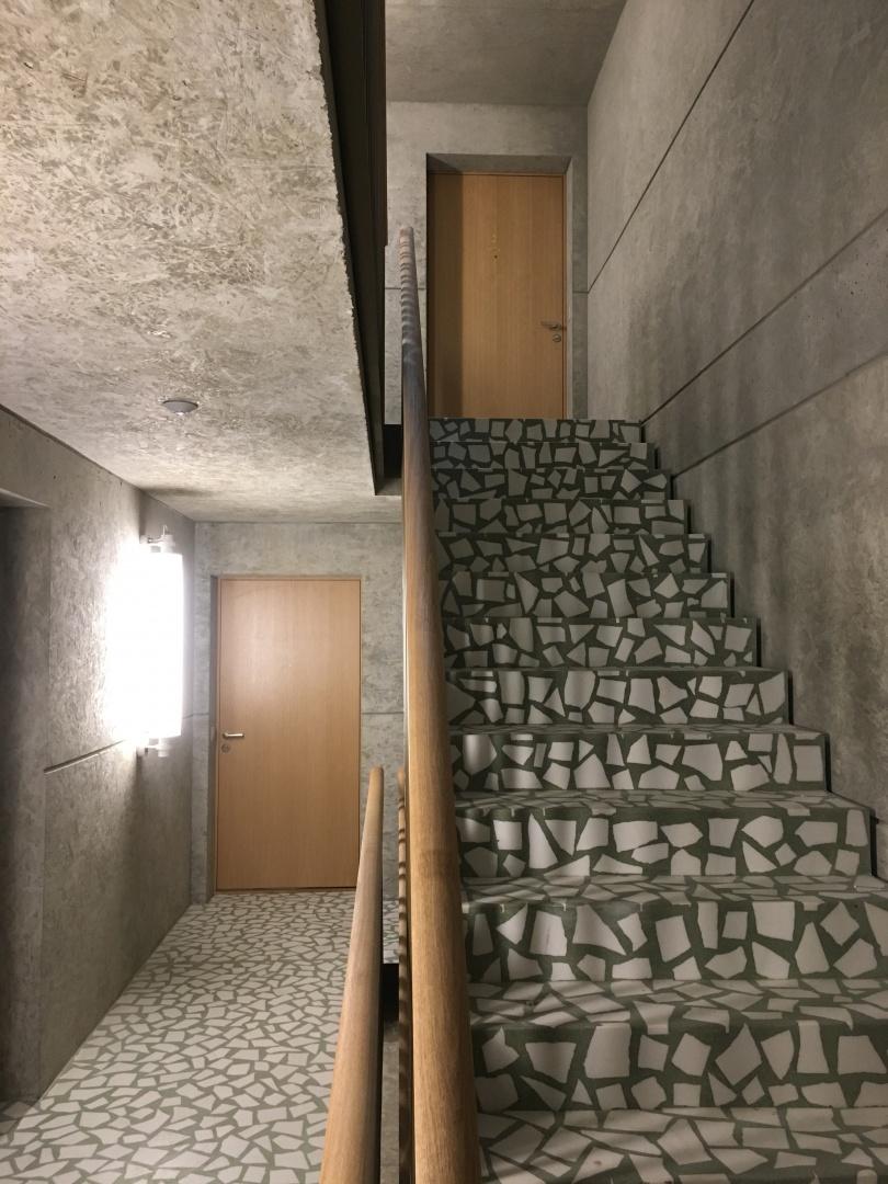 Treppenhaus, Wohnungstüren © Juho Nyberg Architektur GmbH