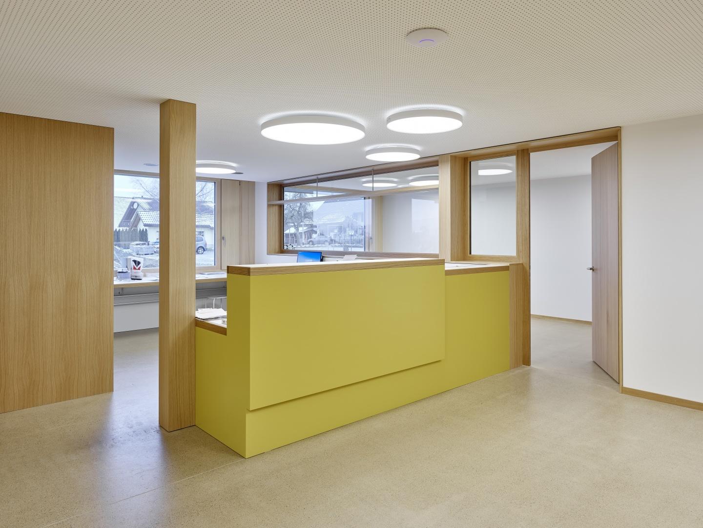 Empfang Arztpraxis © Antoniol + Huber + Partner, Zürcherstrasse 125, 8500 Frauenfeld