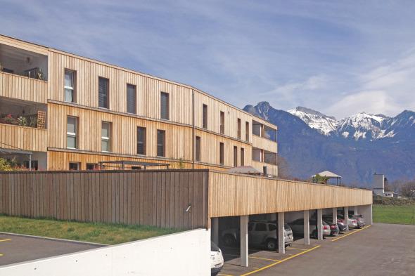 Les toit des parking servent de terrasse au appartements des premiers étages © Voltolini architectures Sarl
