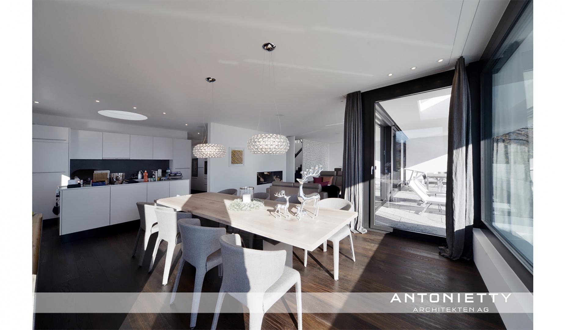 Küche, Wohn- und Essbereich © Carlos Antonietty, Antonietty Architekten AG, Bürgenstrasse 23, 6005 Luzern