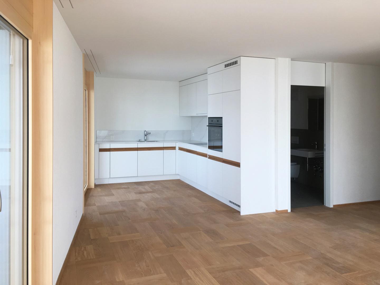 offene Küche zu Wohnzimmer 2-Zi-Whg © Juho Nyberg Architektur GmbH