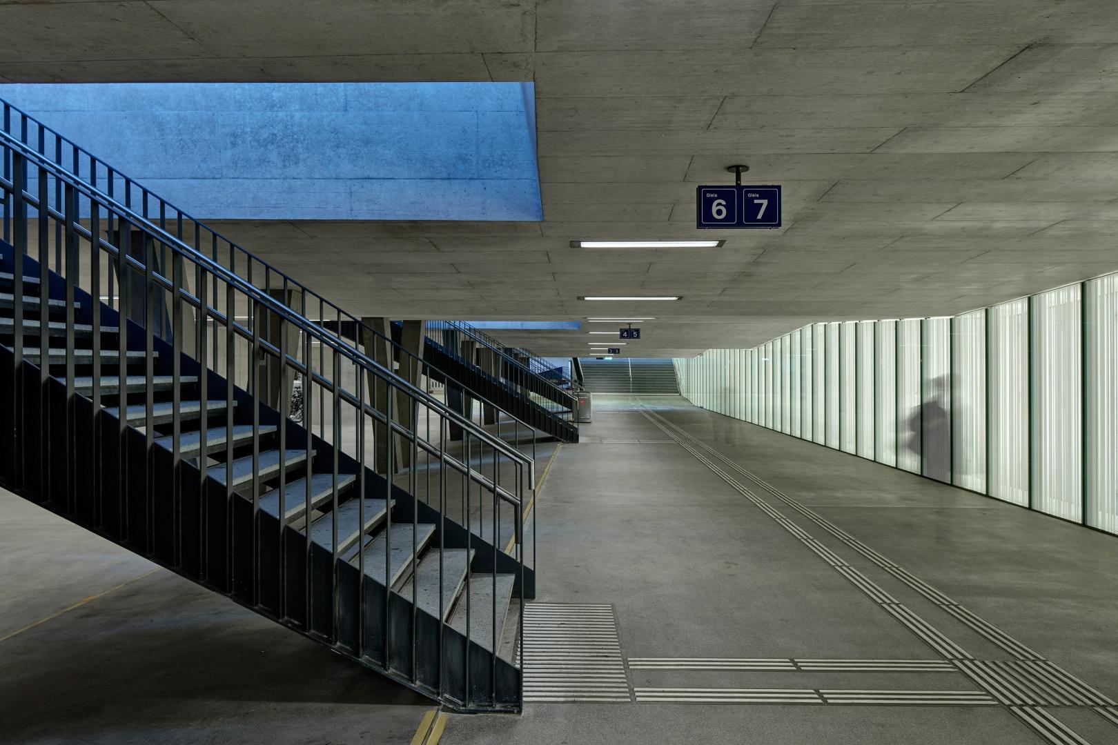 Quartierverbindung mit Lichtwand © René Dürr Architekturfotografie