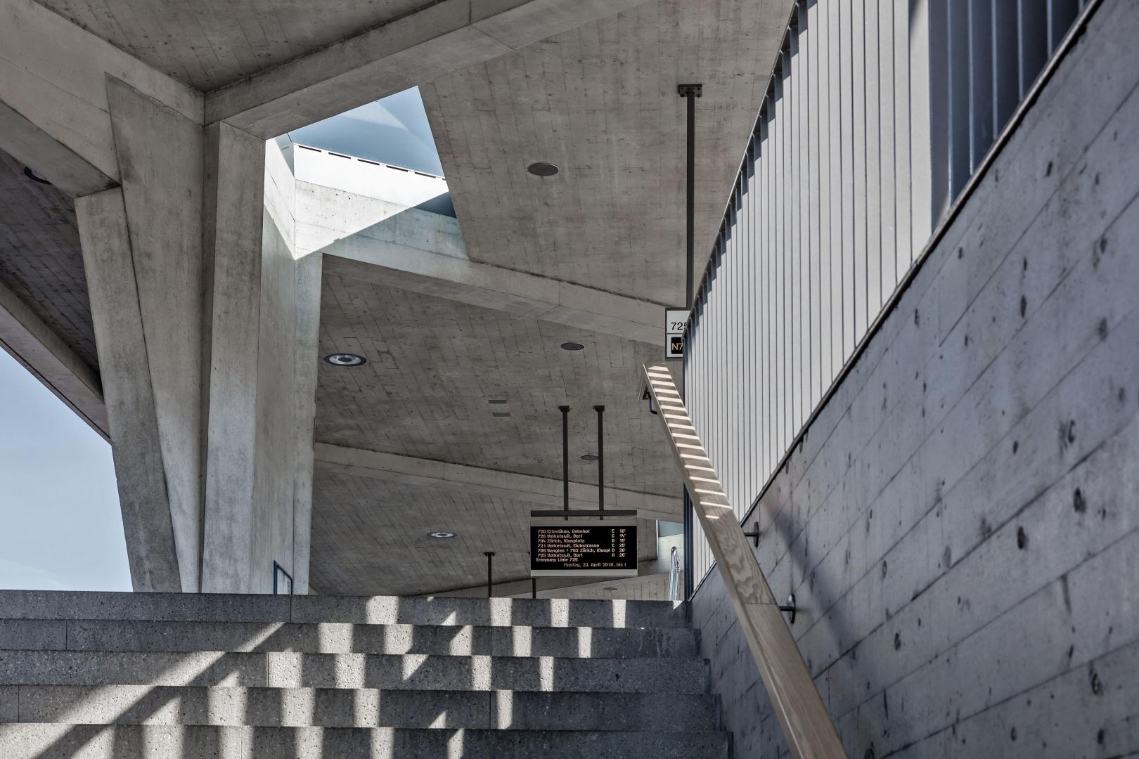 Treppenaufgang aus Unterführung © René Dürr Architekturfotografie