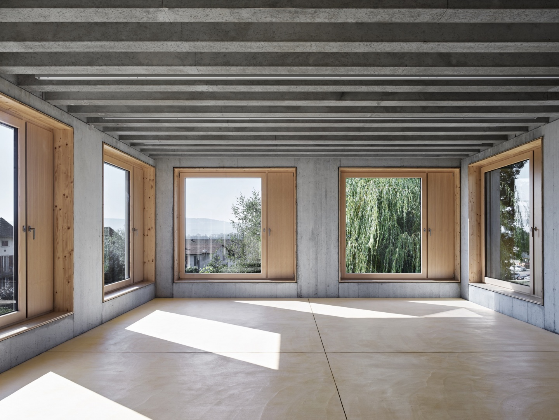 Klassenzimmer mit dreiseitiger Belichtung. © Damian Poffet