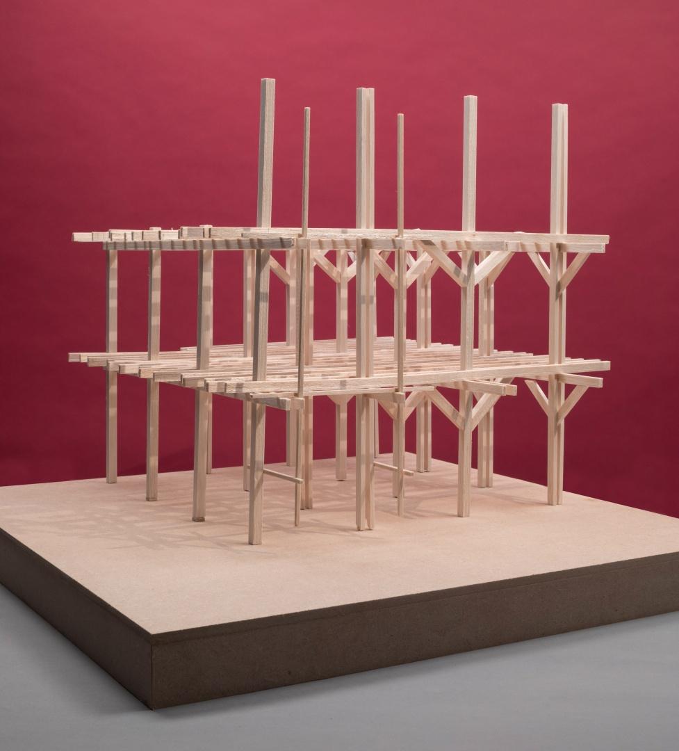 Strukturmodel - Die Struktur wurde in Hinblick auf einen möglichst kultivierten Selbstbau entwickelt (Bewohner unter Anleitung eines Zimmermanns); Spannweiten unter 6m und einfache und traditionelle Verbindungen © Lukas Galantay (HSLU, T&A, Horw)