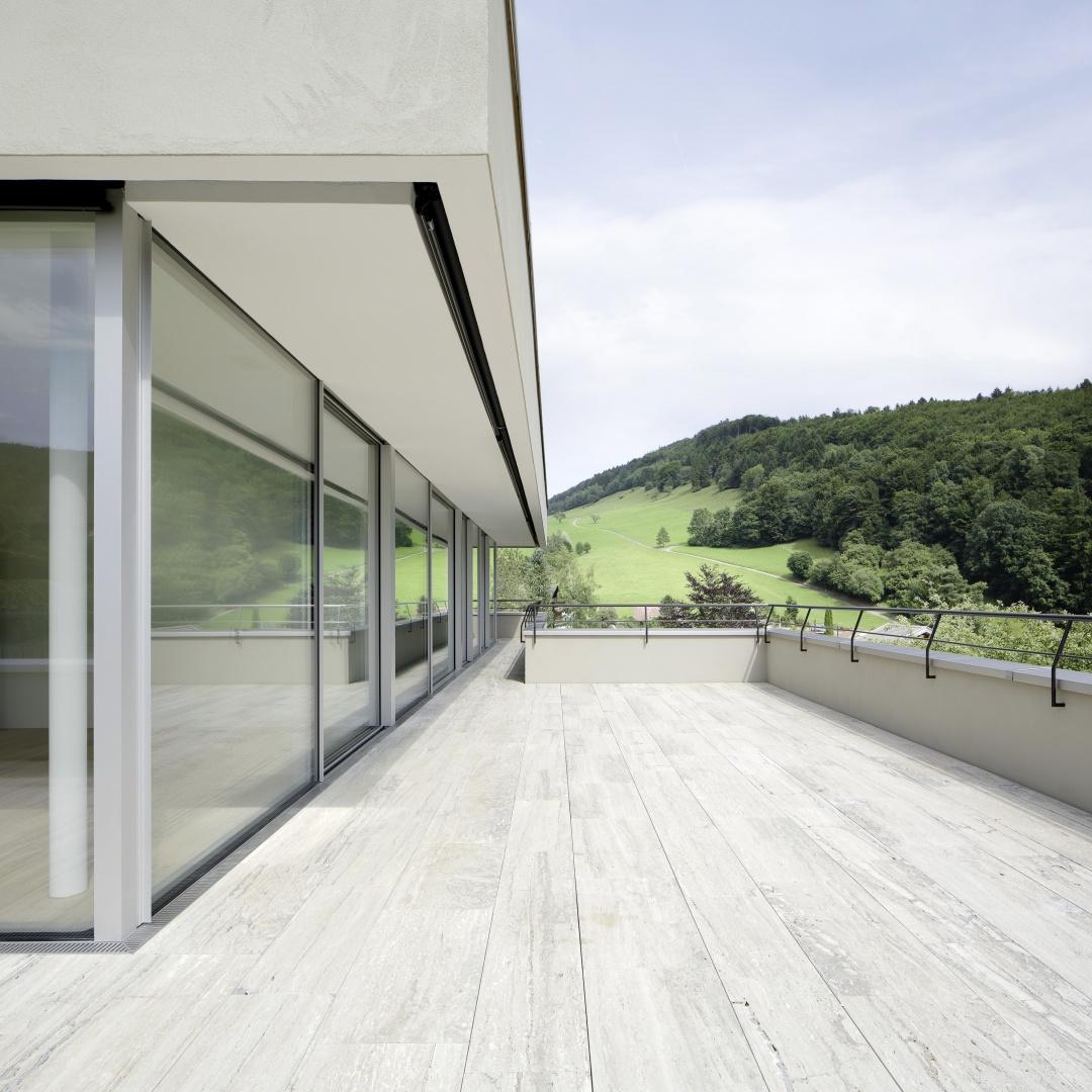 EFH-Langenbruck_Dachterrasse © Tom Bisig, Basel