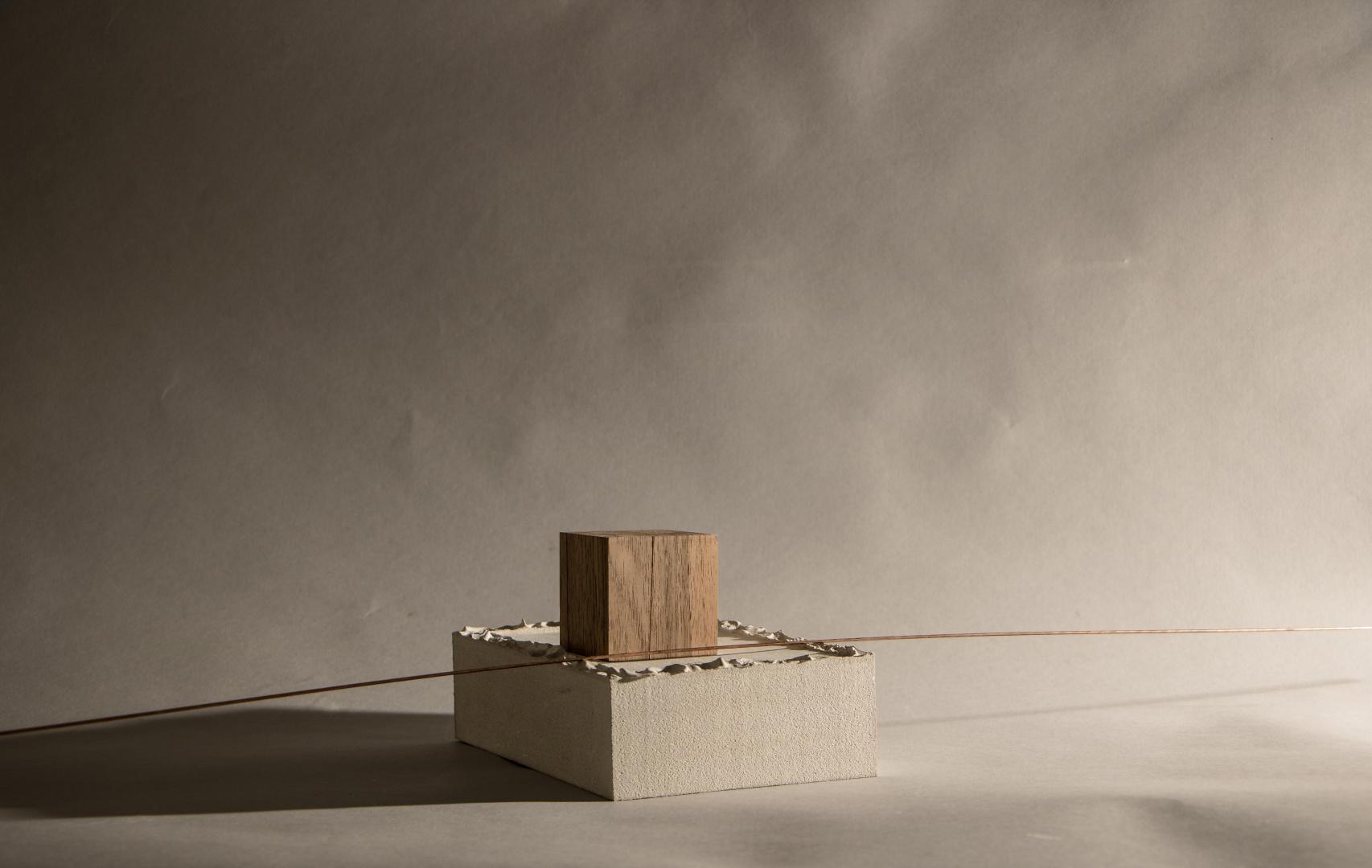 Gipseinfassung, Denkmodell und die Meile vereint © Barbara Ruech