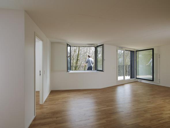 3.5 pièces en attique, ouvert sur la terrasse © Michel Bonvin