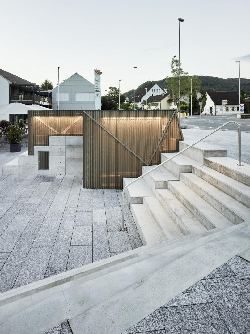 Treppe und Tiefgaragenabgang © Christian Beutler, Im Sydefädeli 3, 8037 Zürich