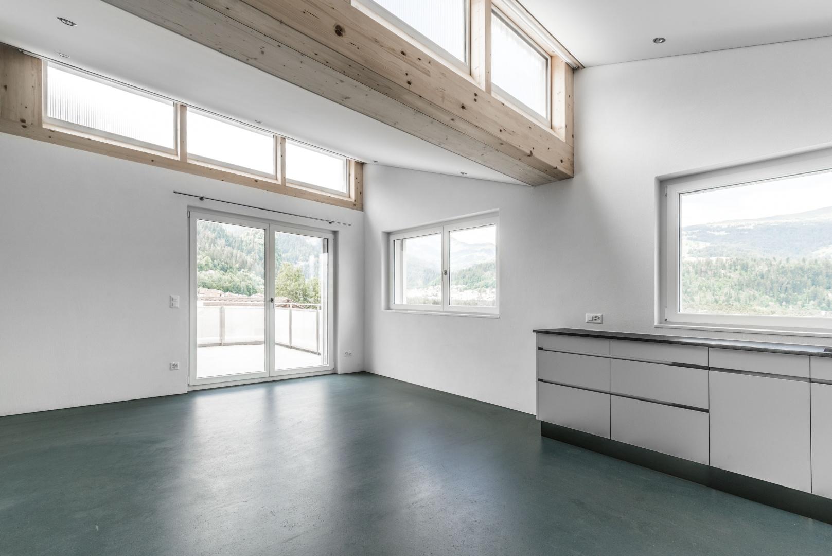 Esszimmer und Küche 4.OG © Aurel Martin