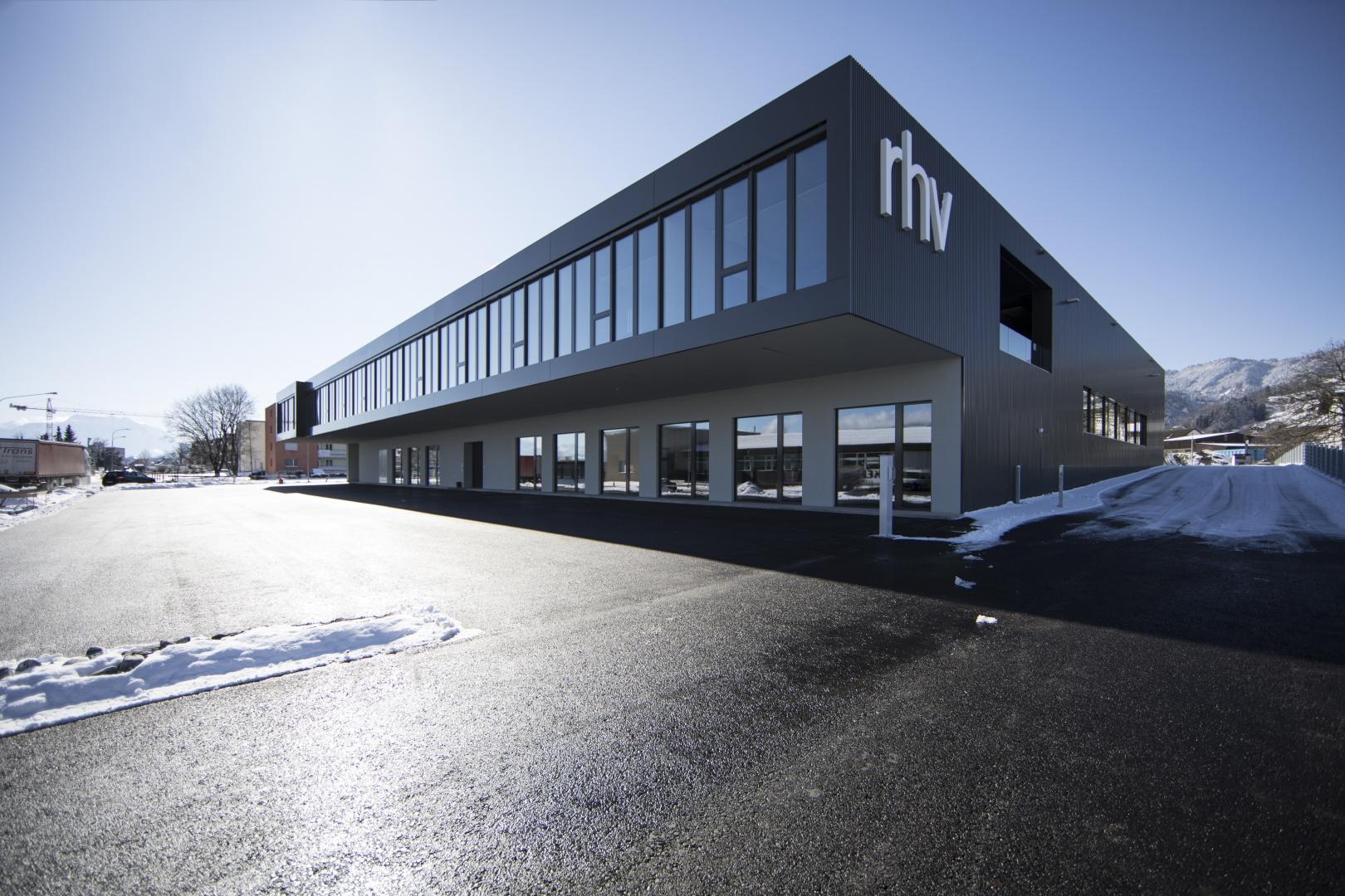 Seitenansicht Firmensitz RhV © Michael Fenk
