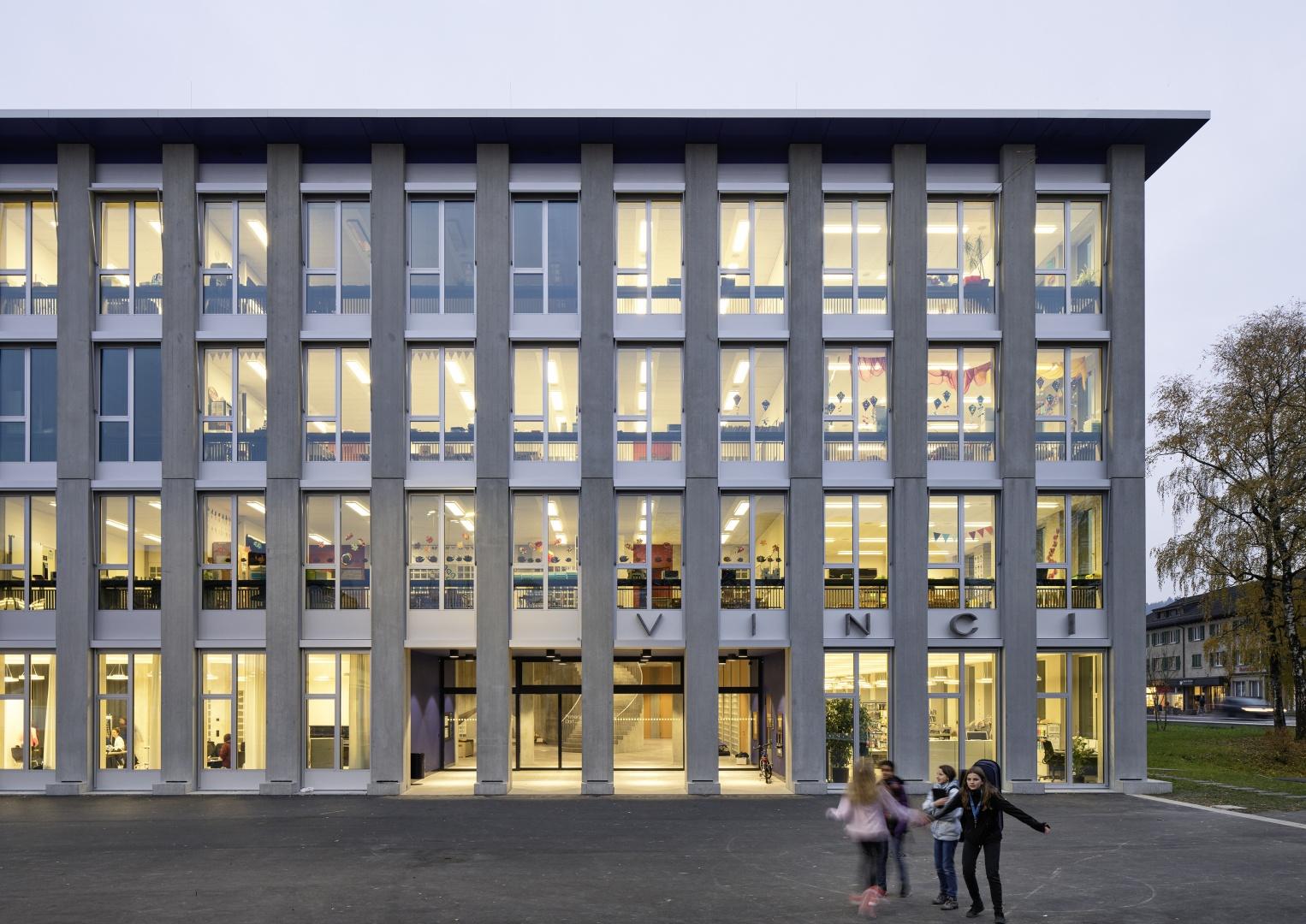 Haupteingang Primarschule Vinci © Ralph Feiner