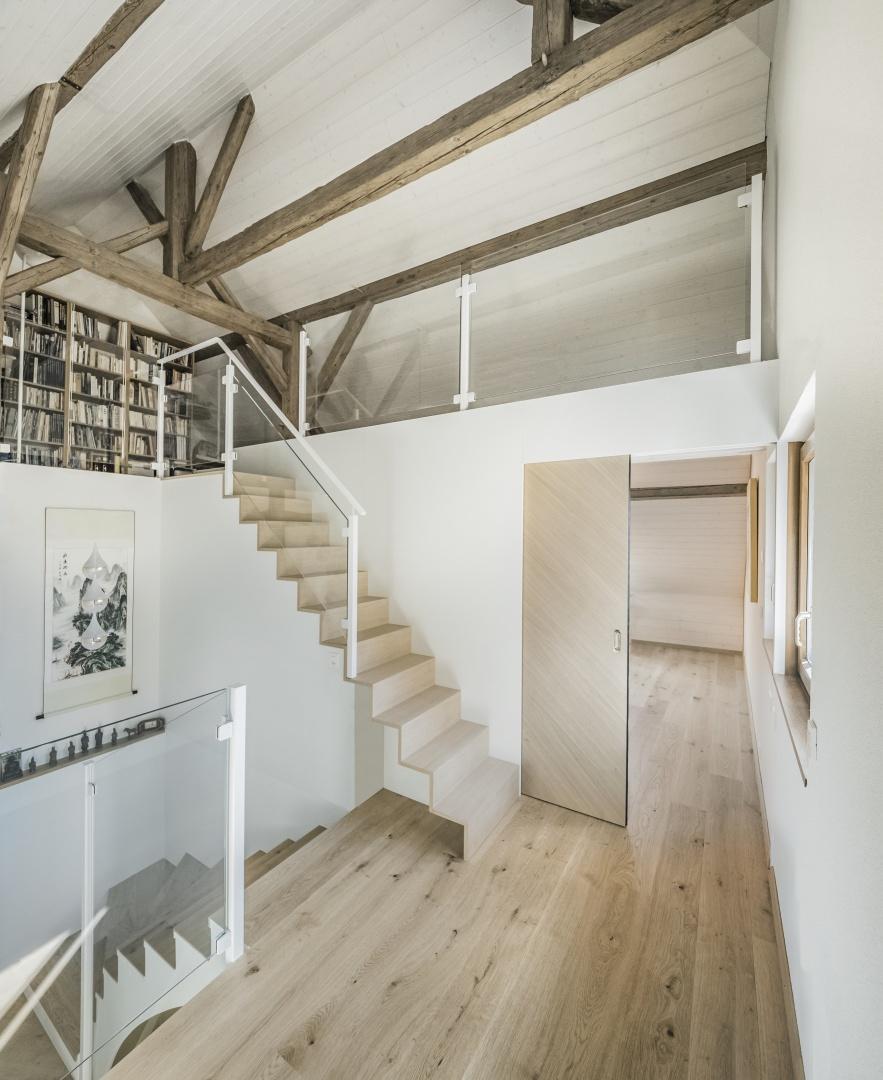 Combles vue de l'escalier vers mezzanine © Michael Hartwell