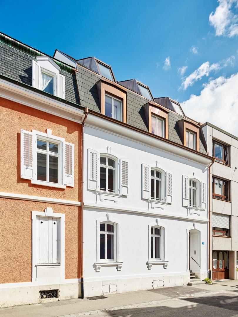 Das Mehrfamilienhaus Holbeinstrasse in Basel. © Beer Merz Architekten