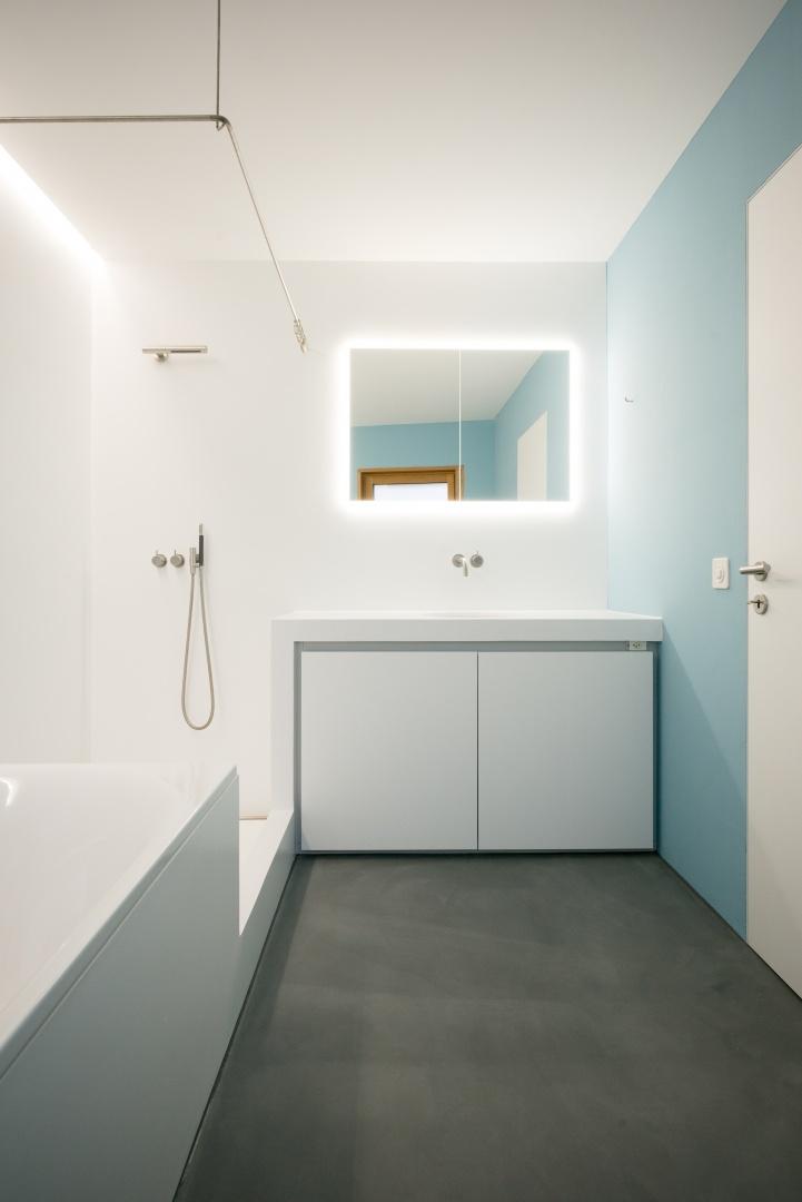 Badezimmer, Waschtisch © www.hansjoergbetschart.ch
