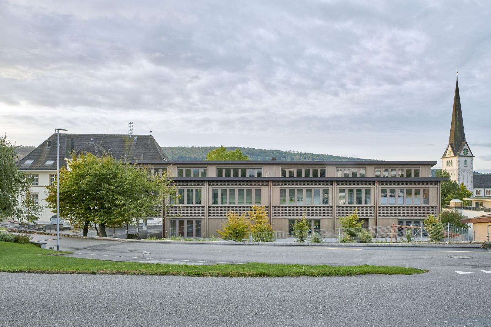 Schulhaus Alp II © Jürg Zimmermann
