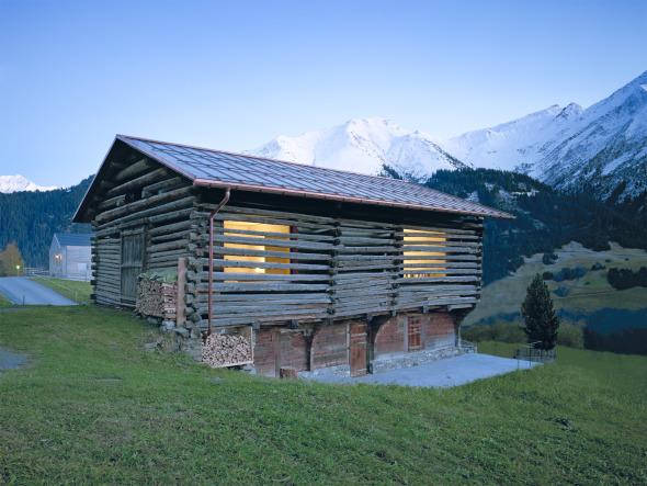 Der früherer Stall in Lumbrein wurde in ein Ferienhaus umgebaut. ©  Ruedi Walti, Basel