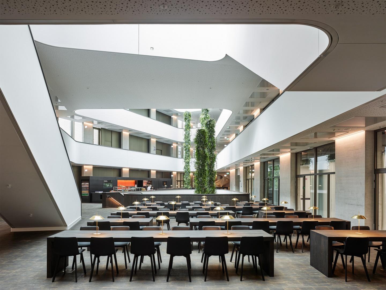 Foyer und Cafeteria © Georg Aerni