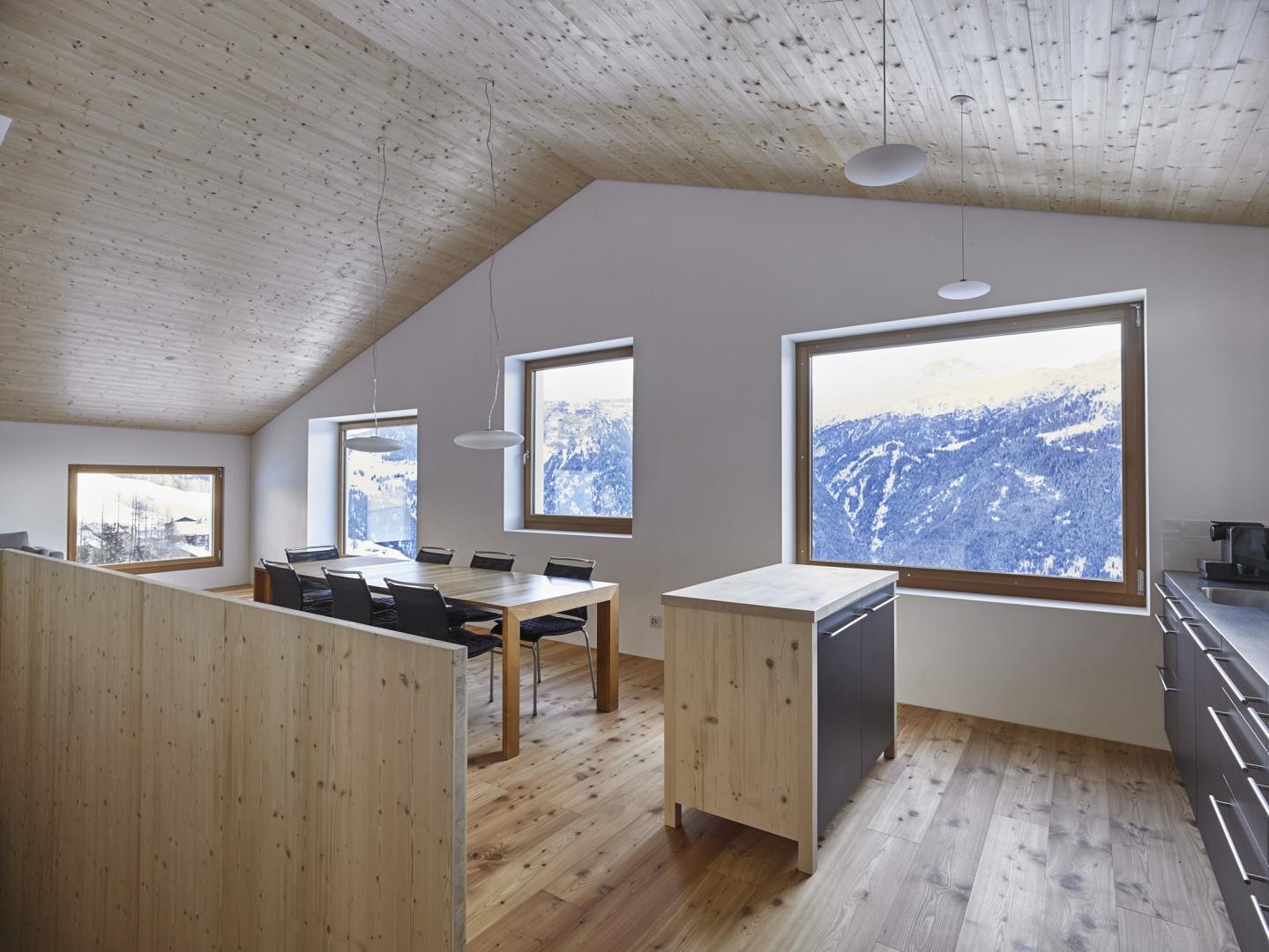 Wohnhaus Lohn, innen © Guido Baselgia, Malans / Röösli Architekten AG