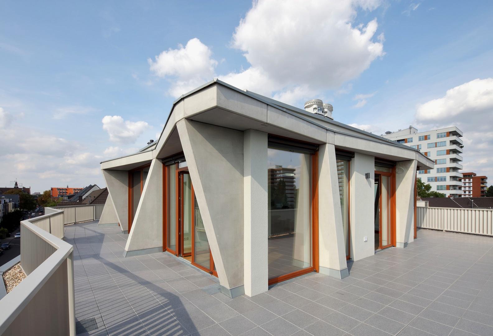 Dachgeschosswohnung an der Ecke Cäsarstrasse/Bernhardstrasse © Robert Mehl