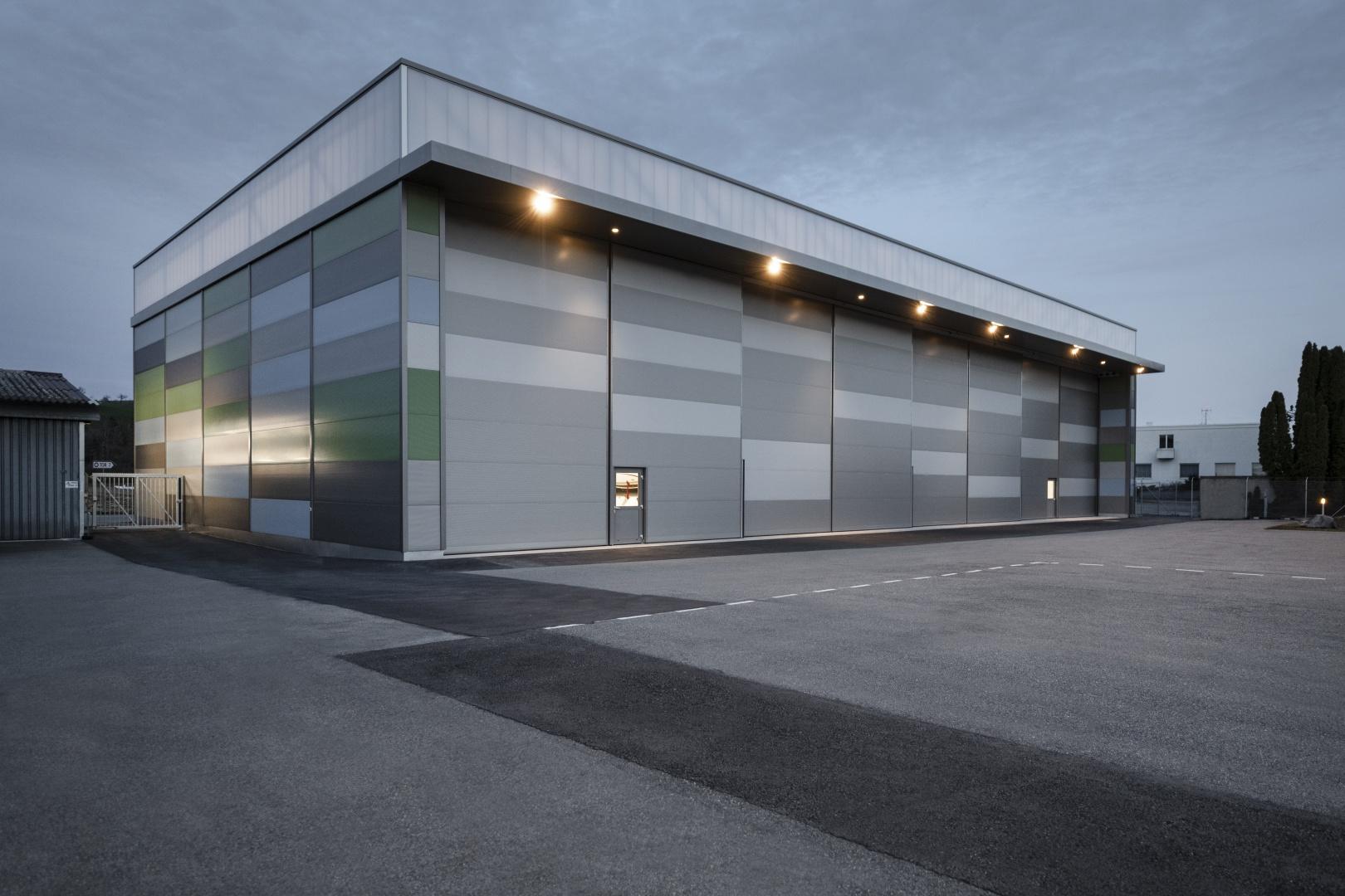 Hangar Aussen Tore geschlossen © Rob Lewis Potography, Wasserwerkgasse 29, 3011 Bern