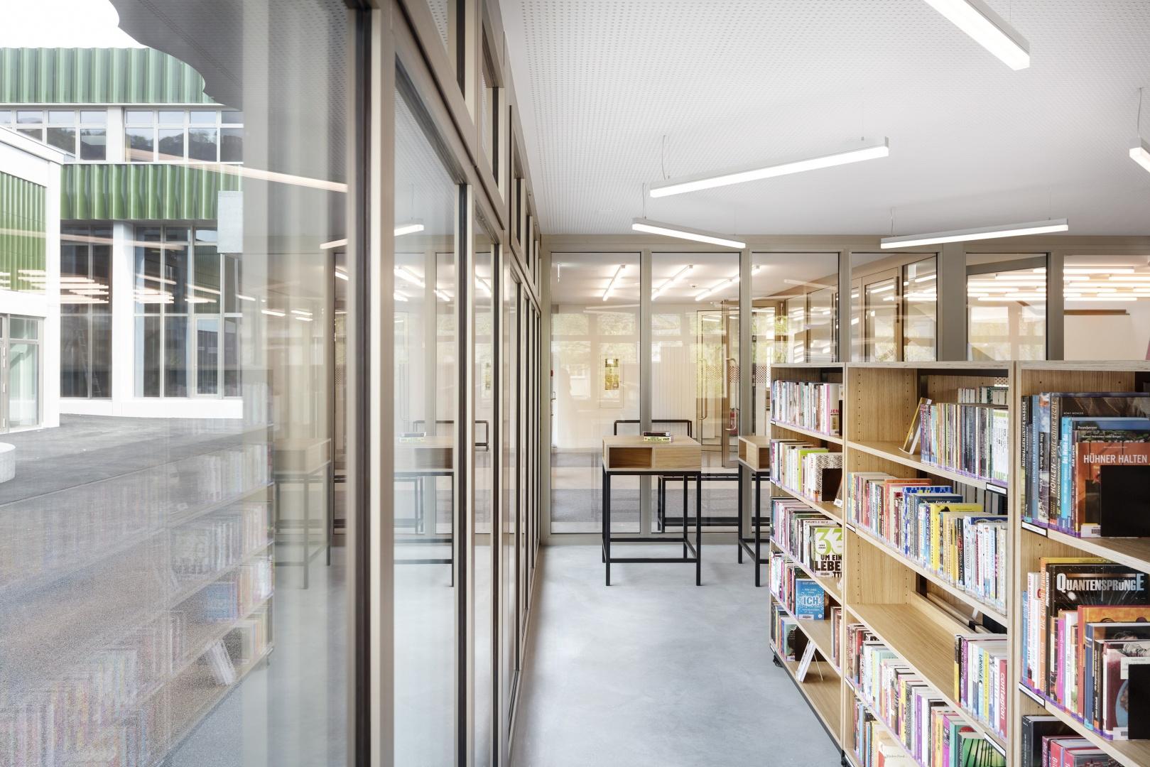 Schulbibliothek © Lucas Peter
