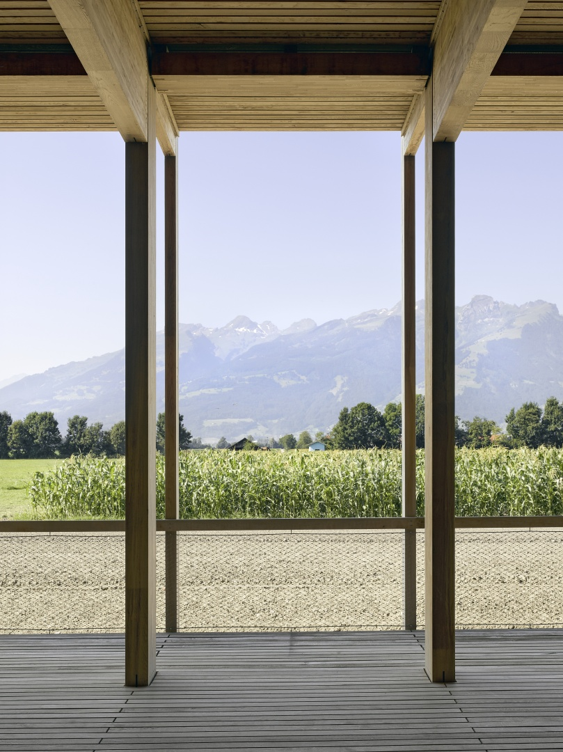 Blick in die weite Landschaft © Seraina Wirz, Atelier für Architekturfotografie, Böcklinstrasse 17 8032 Zürich
