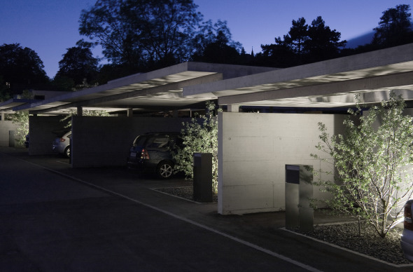 Carports bei Nacht © guido kummer + partner architekten