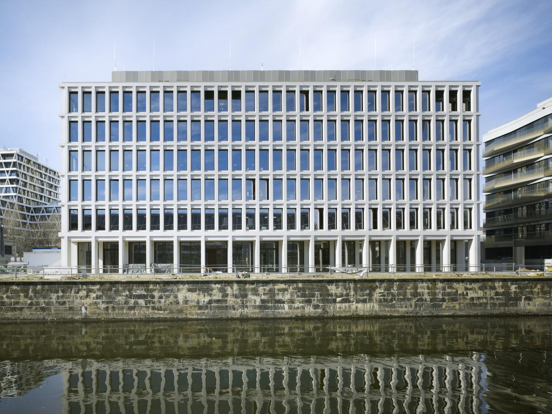 Bürogebäude am Hamburger Bahnhof, Berlin - Ansicht Hohenzollernkanalseite © Ruedi Walti Forografie, Basel