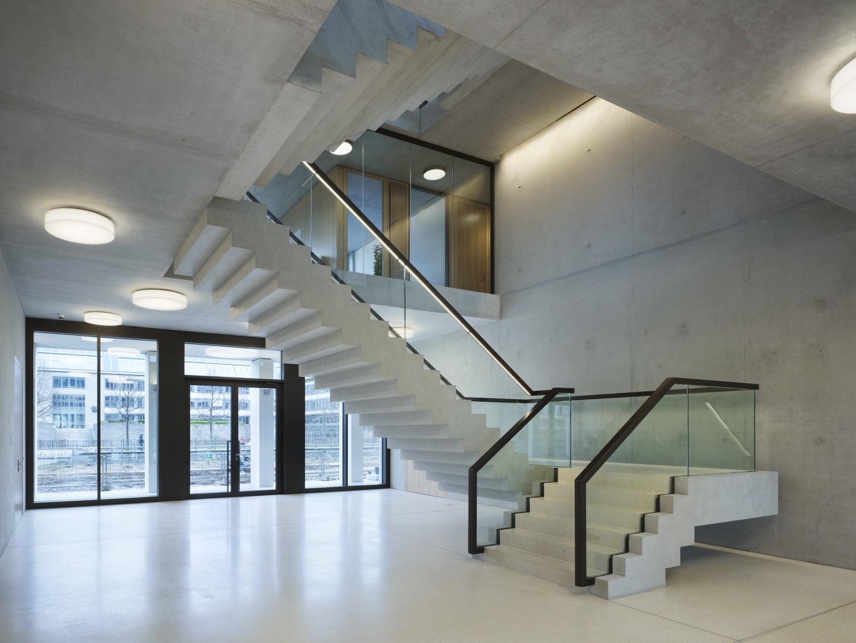 Bürogebäude am Hamburger Bahnhof, Berlin - Eingangshalle © Ruedi Walti Forografie, Basel